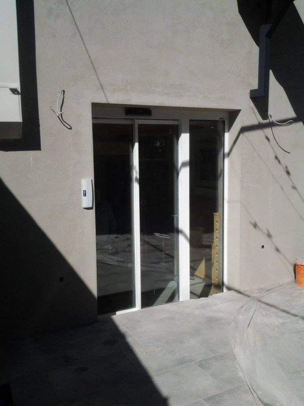 Avtomatska vrata